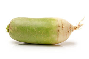 Салат из зеленой редьки с яблоками